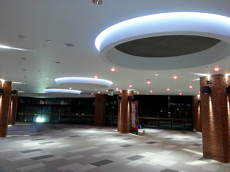 Cinema lobby at the London Designer Outlet